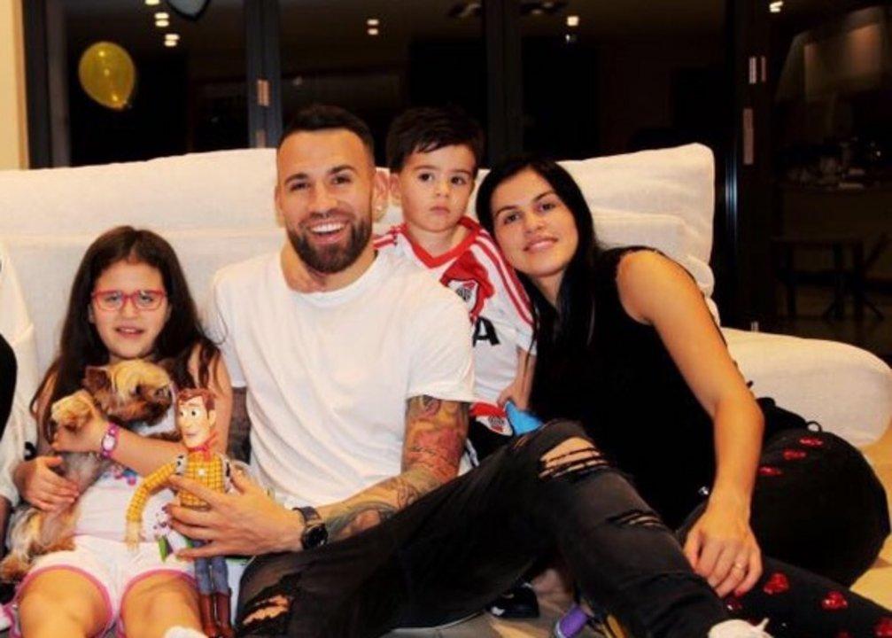 Otamendi y su familia