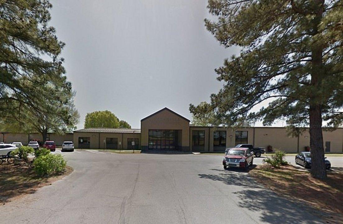 El colegio Dardanelle Middle School, donde ensañaba la profesora