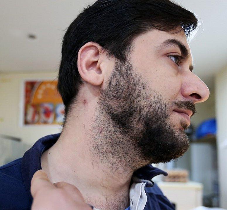 Zabbiullah Amiri, dueño de la tienda